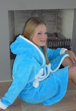 Aquablauer Kinderbademantel